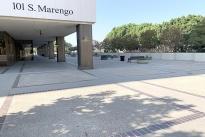 21. Plaza