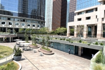 86. Plaza