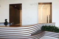32. Lobby