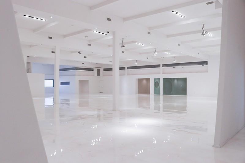 23. Interior
