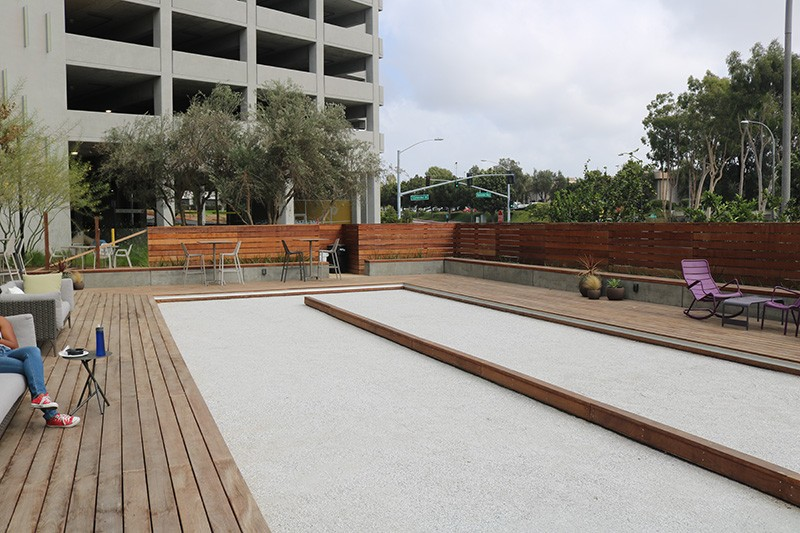 28. Plaza