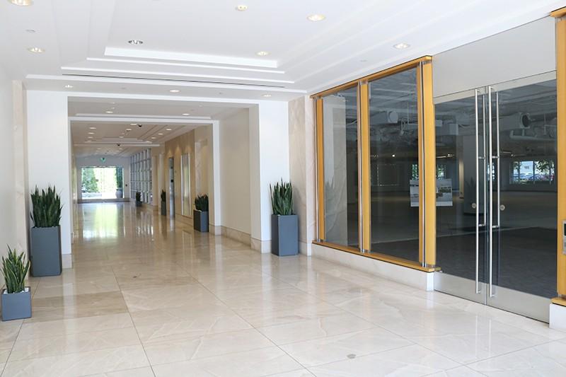 33. Lobby of 2350