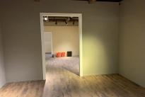 80. Interior