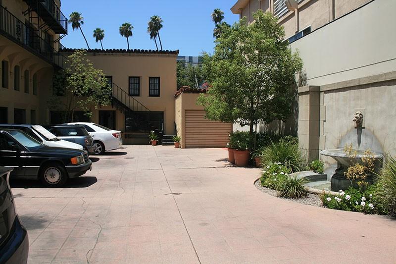 27. Courtyard
