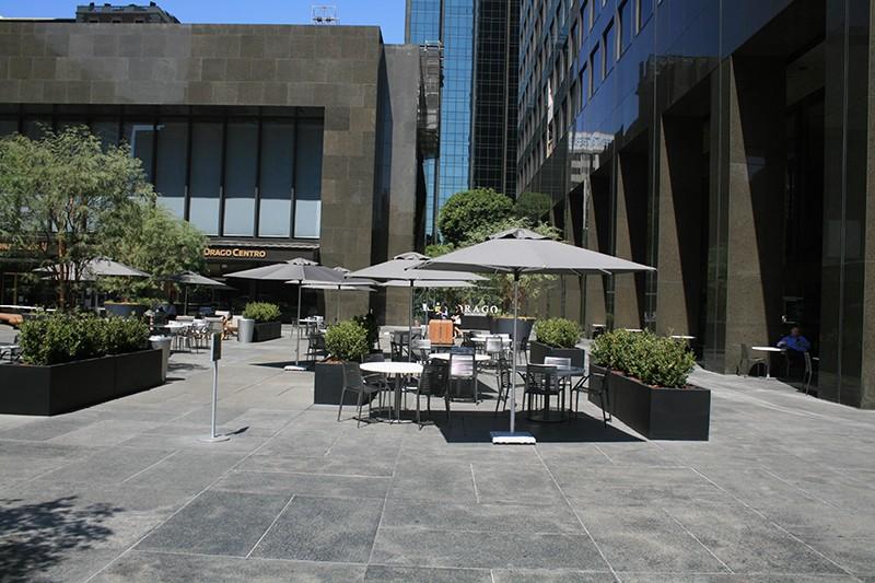 31. Plaza