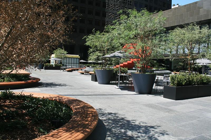 29. Plaza