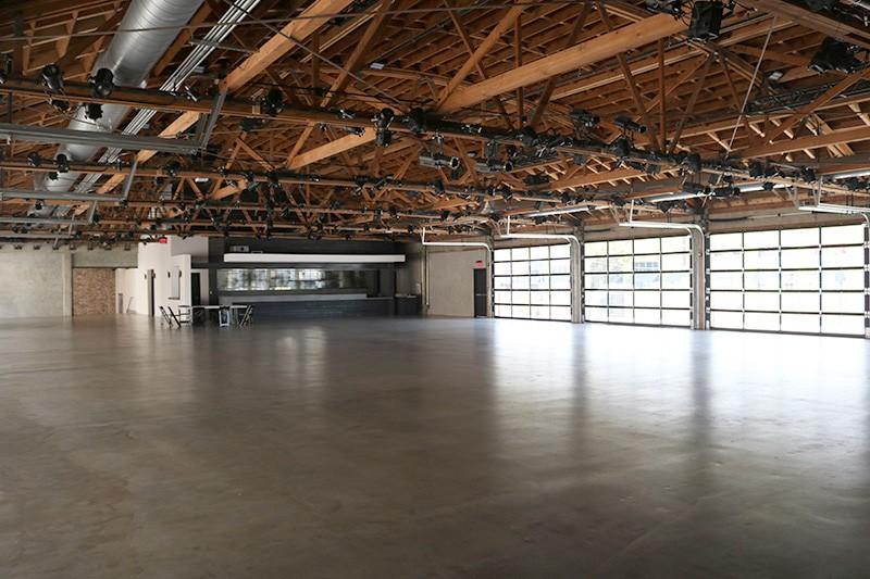 60. Interior