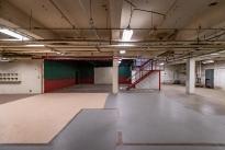 76. Interior