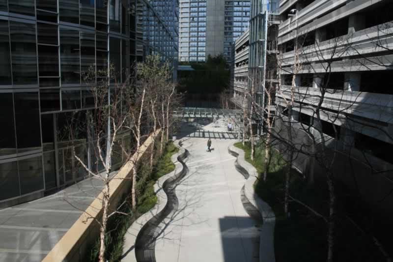 33. Courtyard/Plaza
