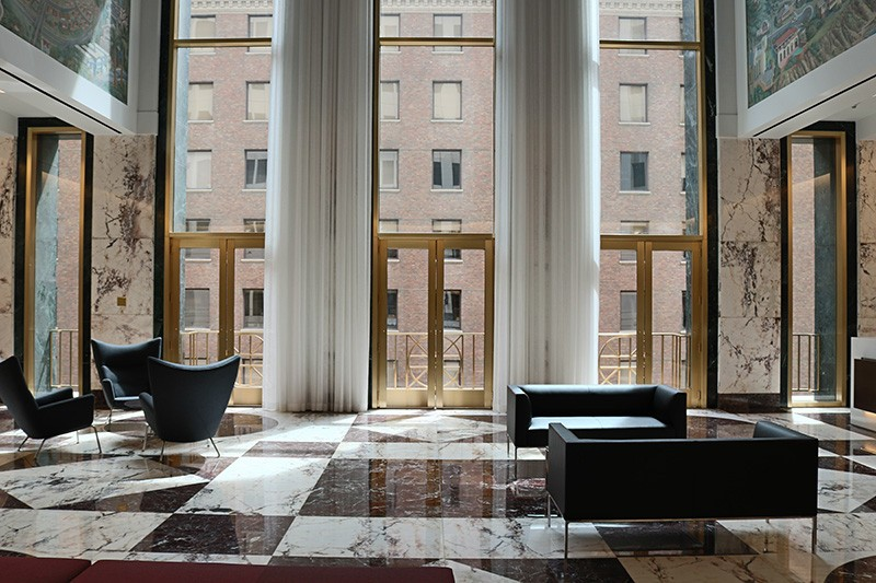 18. Sixth Floor Lobby
