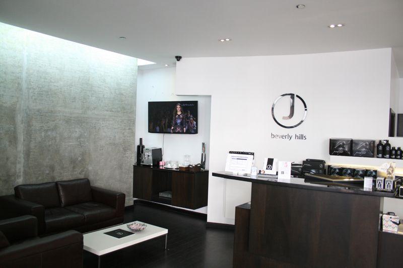 6. Interior Salon