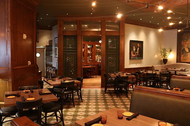 29. Restaurant
