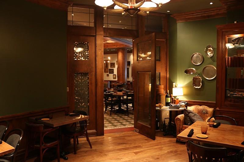 35. Restaurant