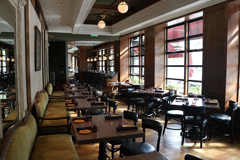 21. Restaurant