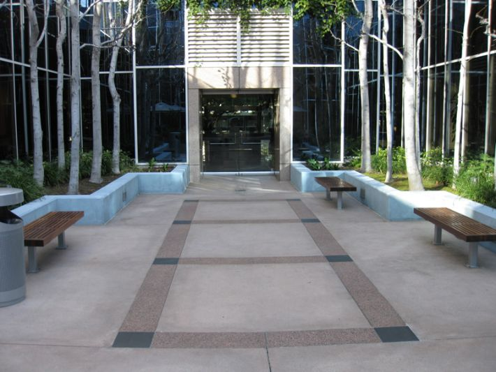 33. Plaza Courtyard