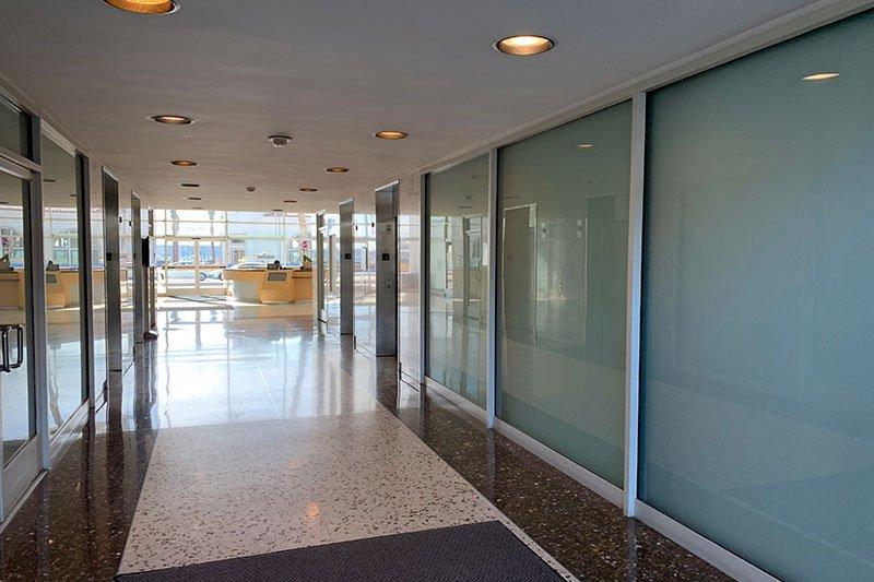 12. Lobby 4640 Bldg