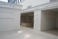 106. Showroom B653