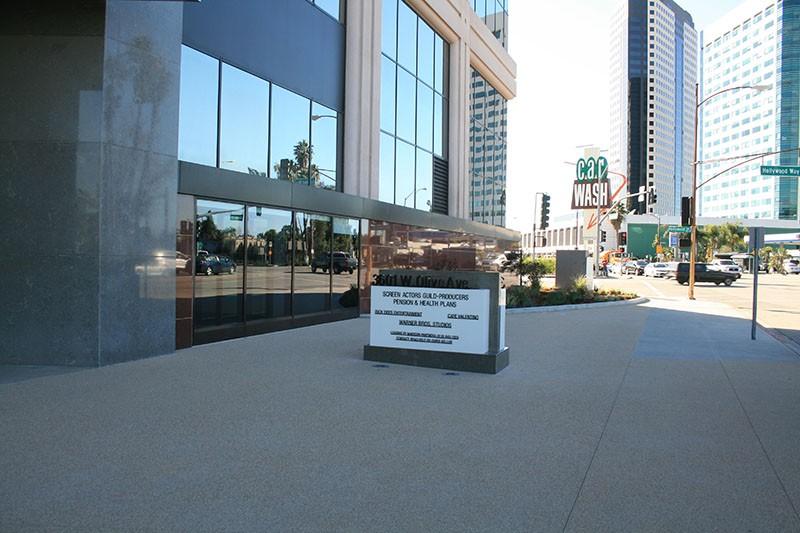 Business Arts Plaza