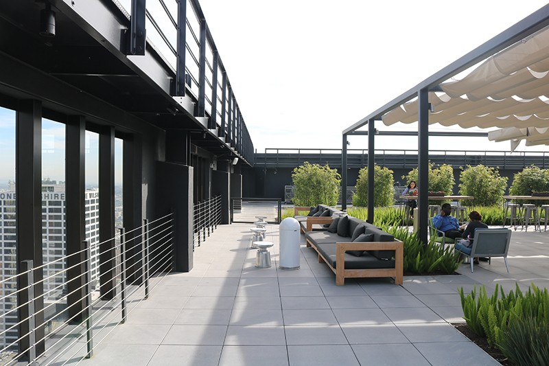 125. Rooftop Lounge