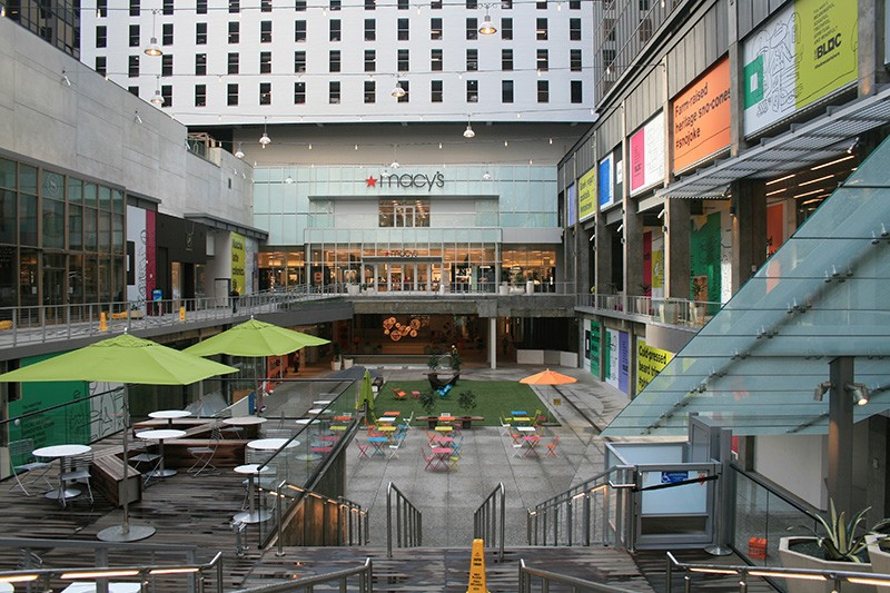 49. Mall