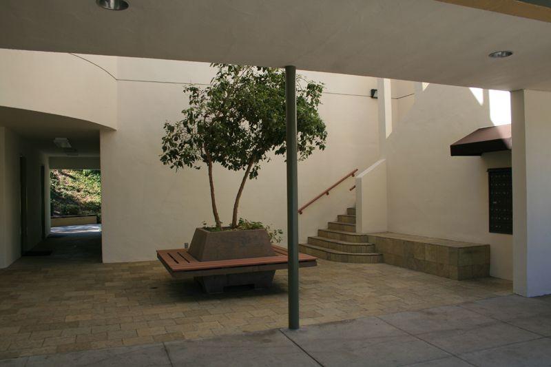 6. Courtyard Plaza