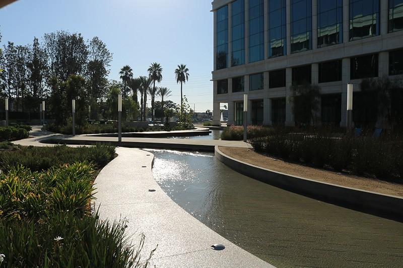 19. Plaza