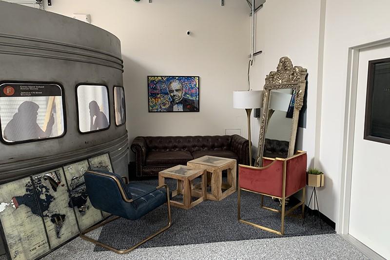 27. Interior