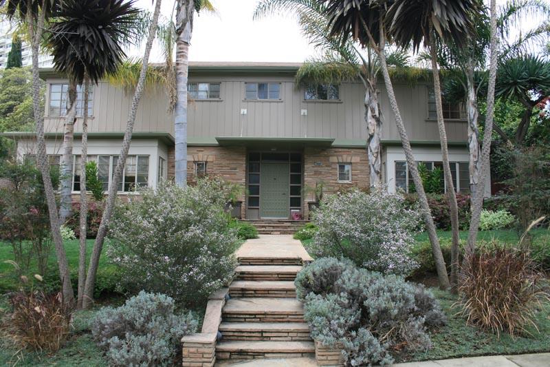 Hilts Ave. Residence