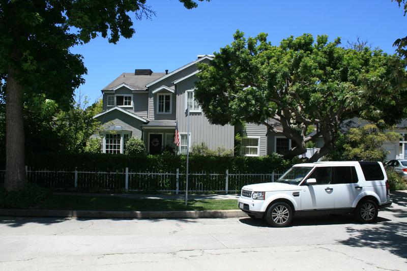Cresta Drive Residence